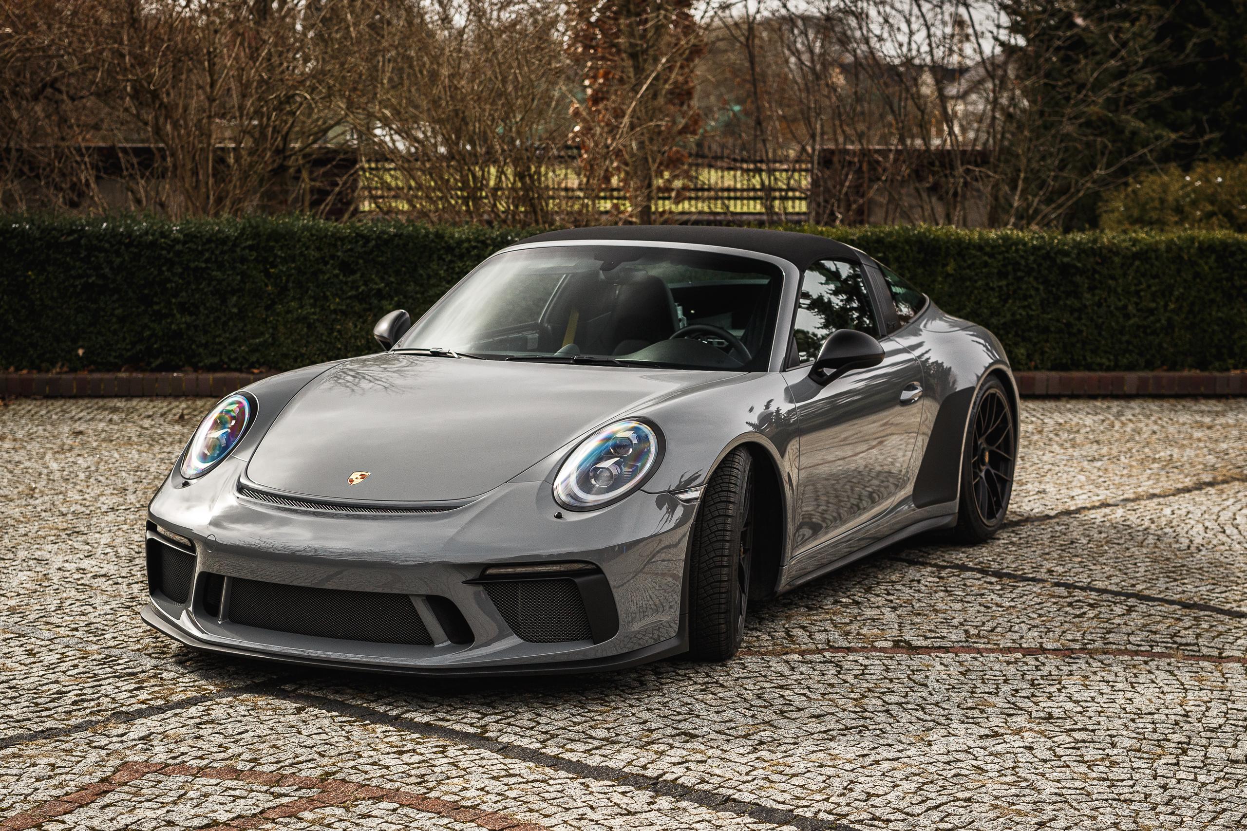 04 NeedForWraps - PCC - Gloss Grey Porsche 911GTS - HQ - PSU